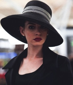 Anne Hathaway as Selina Kylie Celebrity Make up Look