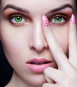 Make Up Tricks for Green Eyes | Beauty Tricks blog